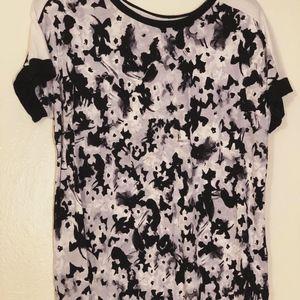 Simply Vera Women's T-shirt Size Medium Floral